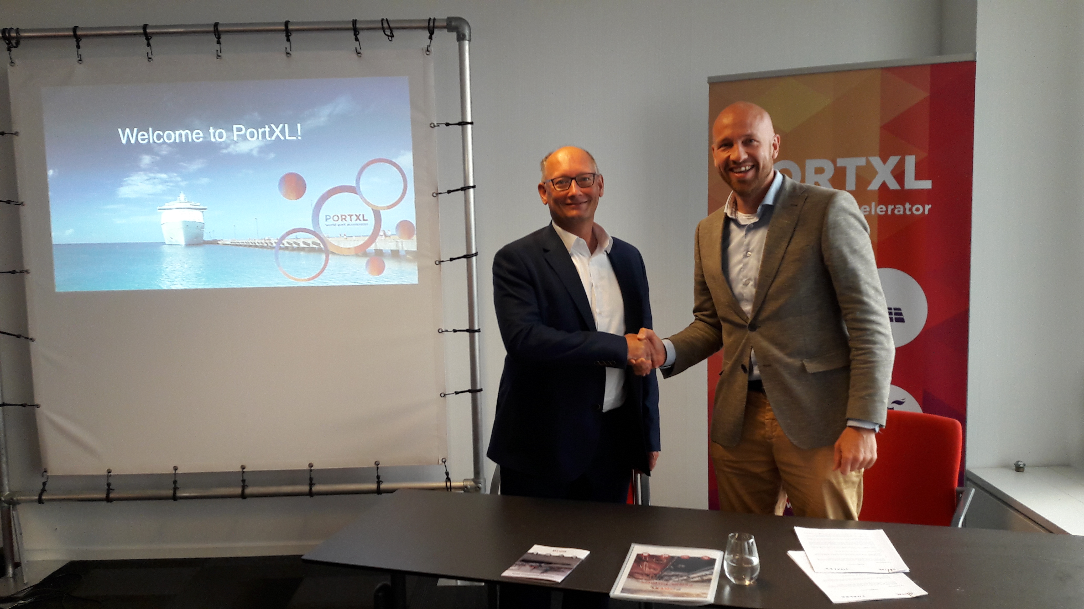 Op 4 september ondertekenden Lukas Roffel (CTO Thales) en Mare Straetmans (Managing Director PortXL)